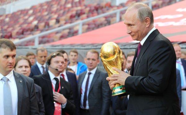 «Опять сглотнём?»: Блогер предрекла РФ унижение на футбольном поле