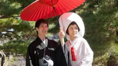 Японцам разрешили жениться без согласия родителей