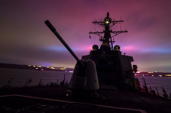 Китайские СМИ: Американские корабли отправятся на дно, если не покинут Чёрное море