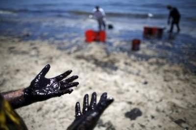 В Ливии в результате военных столкновений произошли крупные разливы нефти