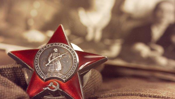 Аналитики: День Победы для россиян важнее Крымского моста и выборов
