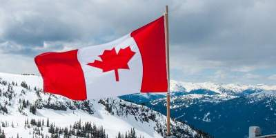В Канаде троих человек признали родителями одного ребенка