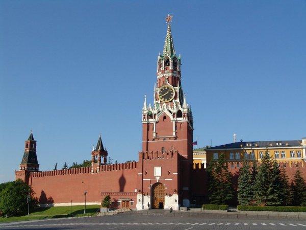 Кремль снизит параметры пенсионного возраста, боясь митингов