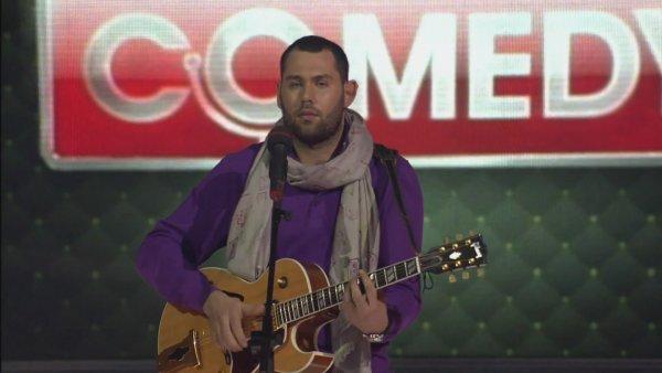 «Не надо втирать нам парашу»: Брянец ответил на песню Слепакова о сборной России