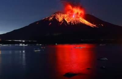 Опасное извержение: В Японии проснулся вулкан Сакурадзима