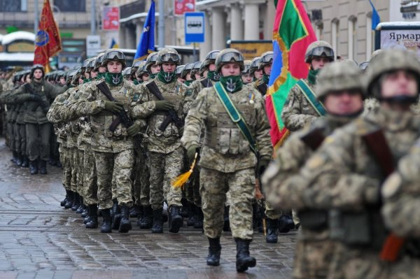 На Украине запретили советские праздники в армейских частях