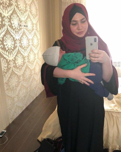 В Северной Осетии чемпион мира по боксу не пустил в мечеть «вульгарную» блогершу