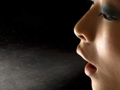 По запаху изо рта возможно обнаружить рак