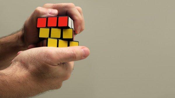 У современного кубика Рубика появился модуль Bluetooth