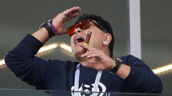 Диего Марадона назвал игру сборной Аргентины «позорной»
