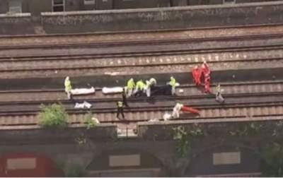 Поезд насмерть сбил трех человек на юге Лондона