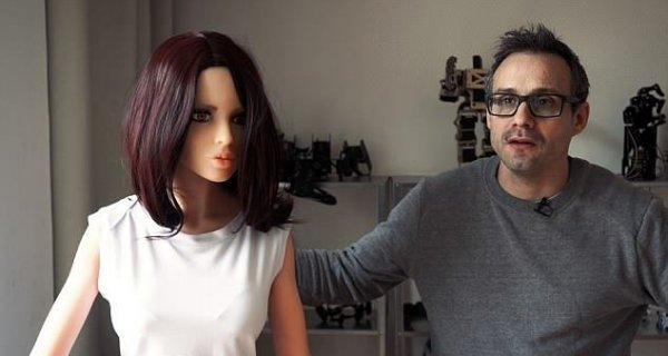 Секс-куклы станут отказываться от интима, если у них «не будет настроения»