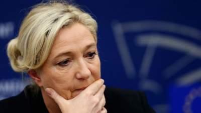 Ле Пен обязали выплатить Европарламенту 300 тыс евро