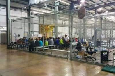 Незаконная миграция: у мигрантов в США начали отбирать детей