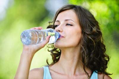 Зачем пить воду, не испытывая жажду: ответ медиков