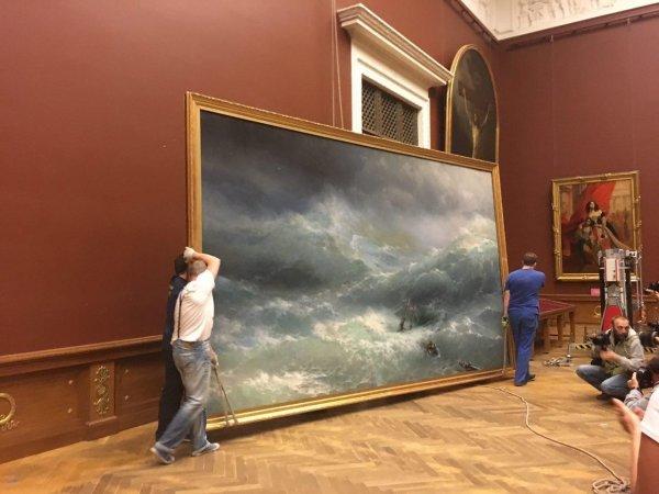 В Крыму нашли картины Айвазовского на затонувшем в XIX веке корабле