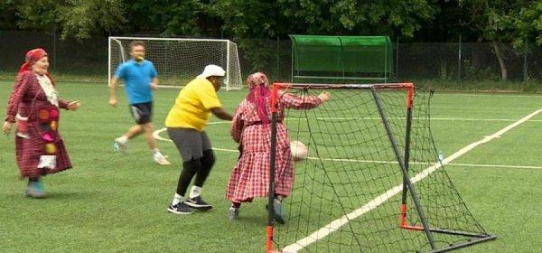«Бурановские бабушки» сыграли в футбол с «Бабушками из Лимпопо»