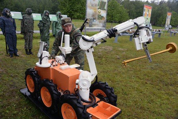СМИ узнали, когда войска РХБЗ получат нового робота-разведчика