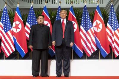 Трамп продлил действие санкций против КНДР