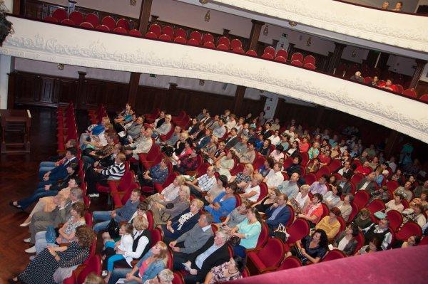 Голый мужчина в Приморской филармонии шокировал интернет