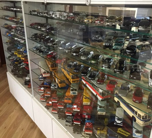 Житель Новосибирска решил продать коллекцию игрушечных автомобилей за 1 млн рублей