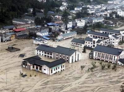 В Китае из-за ливней затопило 14 районов
