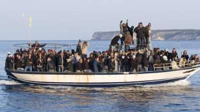 В Италии запретили спасать корабли с беженцами