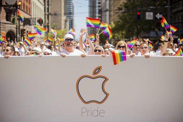 Apple поучаствовала в гей-параде