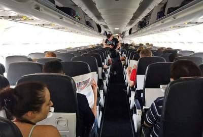 В США мужчины задержали самолет, отказавшись сидеть с женщинами