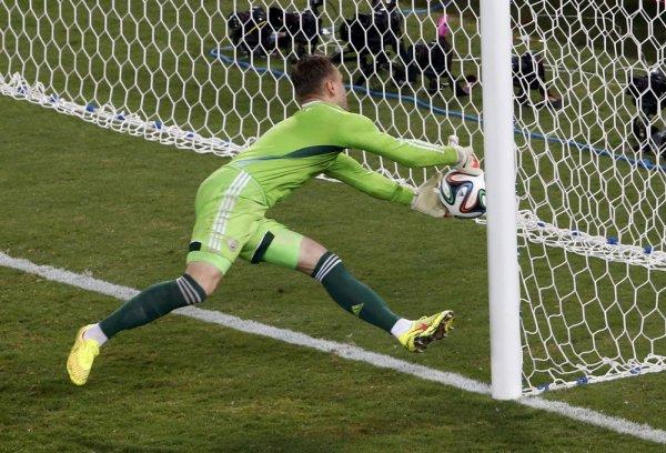 Россия уступает Уругваю со счетом 0:2 на ЧМ-2018