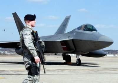 США укрепляют свои армейские объекты у российских границ