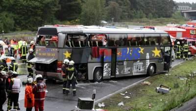 Смертельное ДТП в Германии: автобус столкнулся с мусоровозом