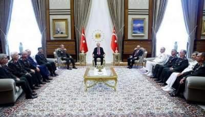 Евросоюз призвал Турцию отказаться от режима чрезвычайного положения