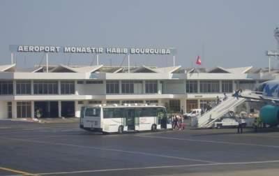 Из Туниса не могут улететь три сотни украинских туристов