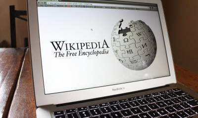 Википедия в знак протеста прекратила работу на четырех языках