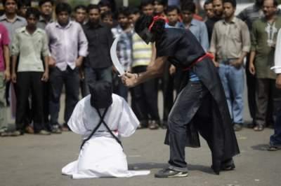 В Иране казнили восемь террористов, нападавших на мавзолей Хомейни