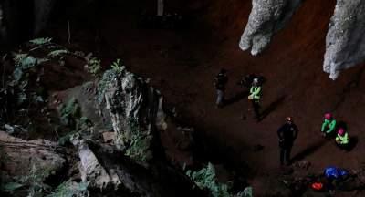 В Таиланде из пещеры спасли первых мальчиков - СМИ