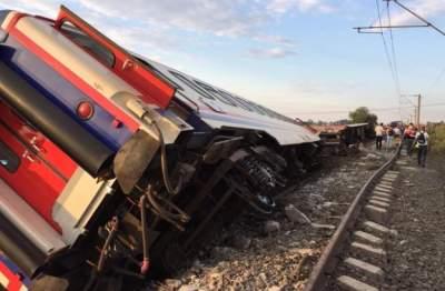 Крушение поезда в Турции: погибло десять людей