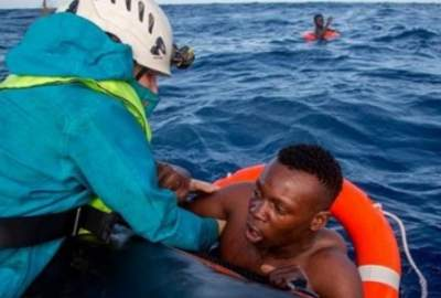 Италия прекратит принимать корабли с беженцами