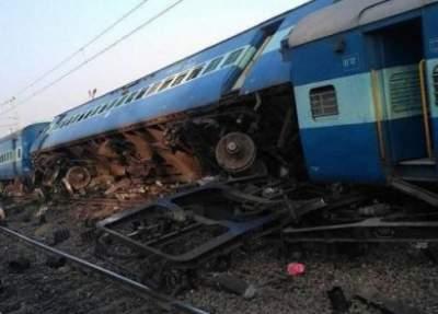 В Турции разбился поезд, множество погибших