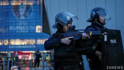 Во Франции вооруженного террориста насмерть застрелили шокерами