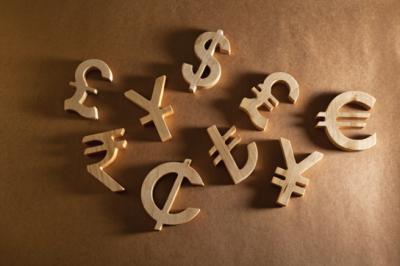 Финансисты рассказали, какие мировые валюты выстоят во время кризиса