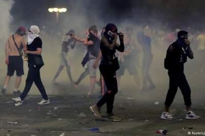 Во Франции фанаты устроили массовые беспорядки после победы на ЧМ-2018