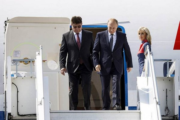 Владимир Путин опоздал к Трампу на полчаса