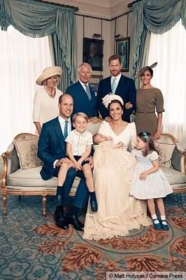 В Британии королевская семья сфотографировалась без королевы