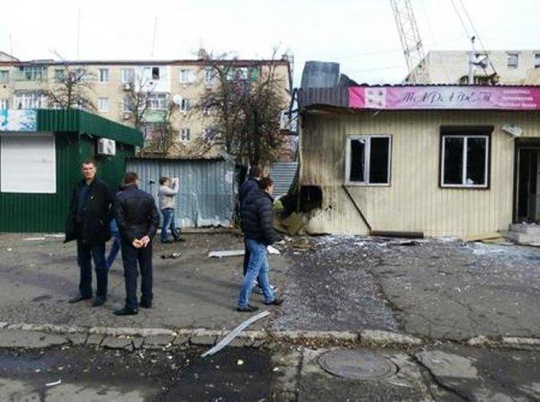 Украинские солдаты обстреляли жилые дома Докучаевска