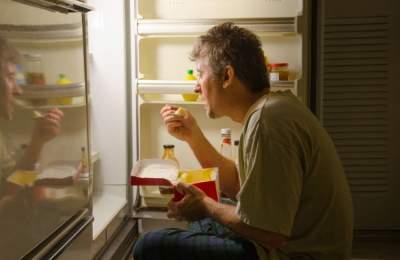 Поздний ужин может повысить риск двух типов рака