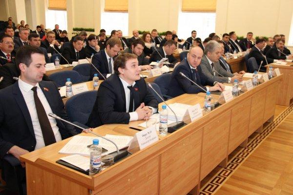 Трое депутатов из Ростова проголосовали против пенсионной реформы