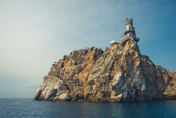 В России высмеяли идею «отрезать» Крым от света и газа