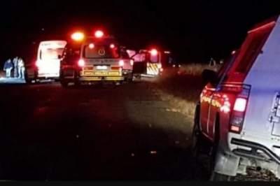 В ЮАР неизвестные расстреляли микроавтобус: много жертв